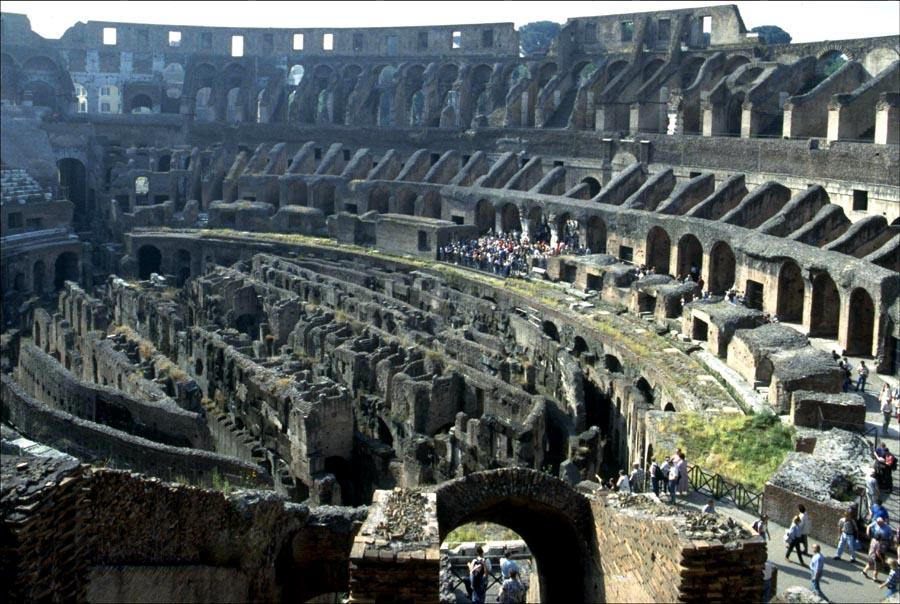 Innenansicht des Kolosseums - Rom - Italien